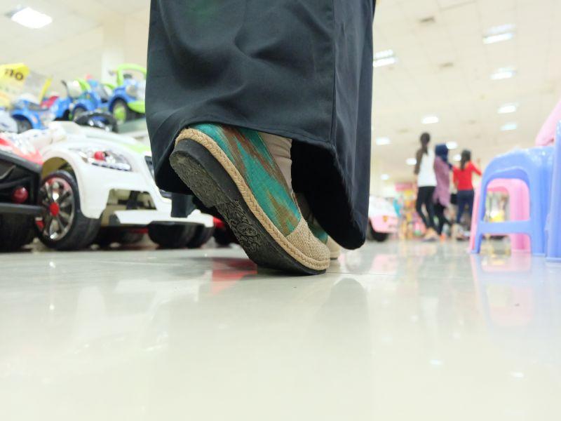 sepatu-batik