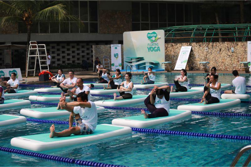 yoga-di-atas-air